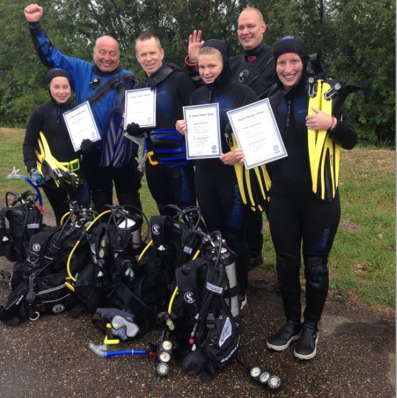 4 Open water divers